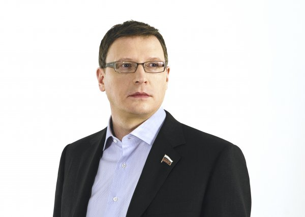 Глава Омской области пожаловался на отсутствие инвестиций и обвинил в этом мем
