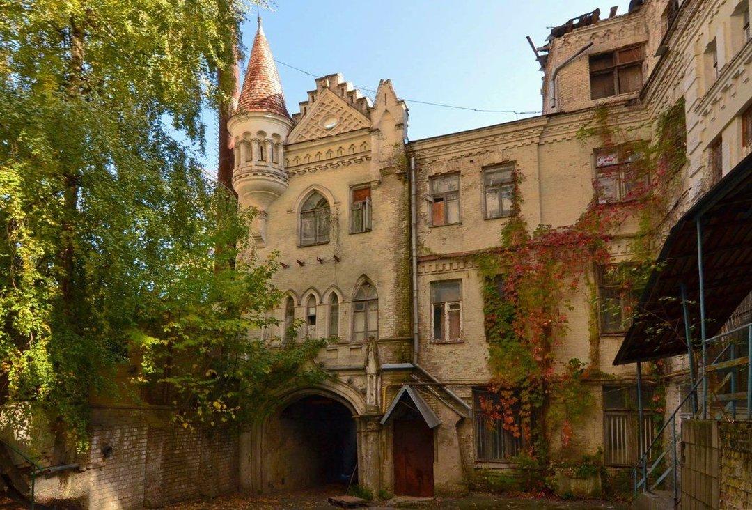 Суд вернул государству еще одно историческое здание в центре Киева