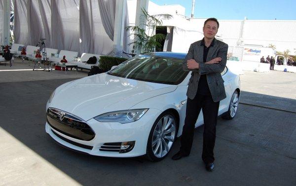 Илон Маск заплатил 10 млн$ за акции собственной компании Tesla