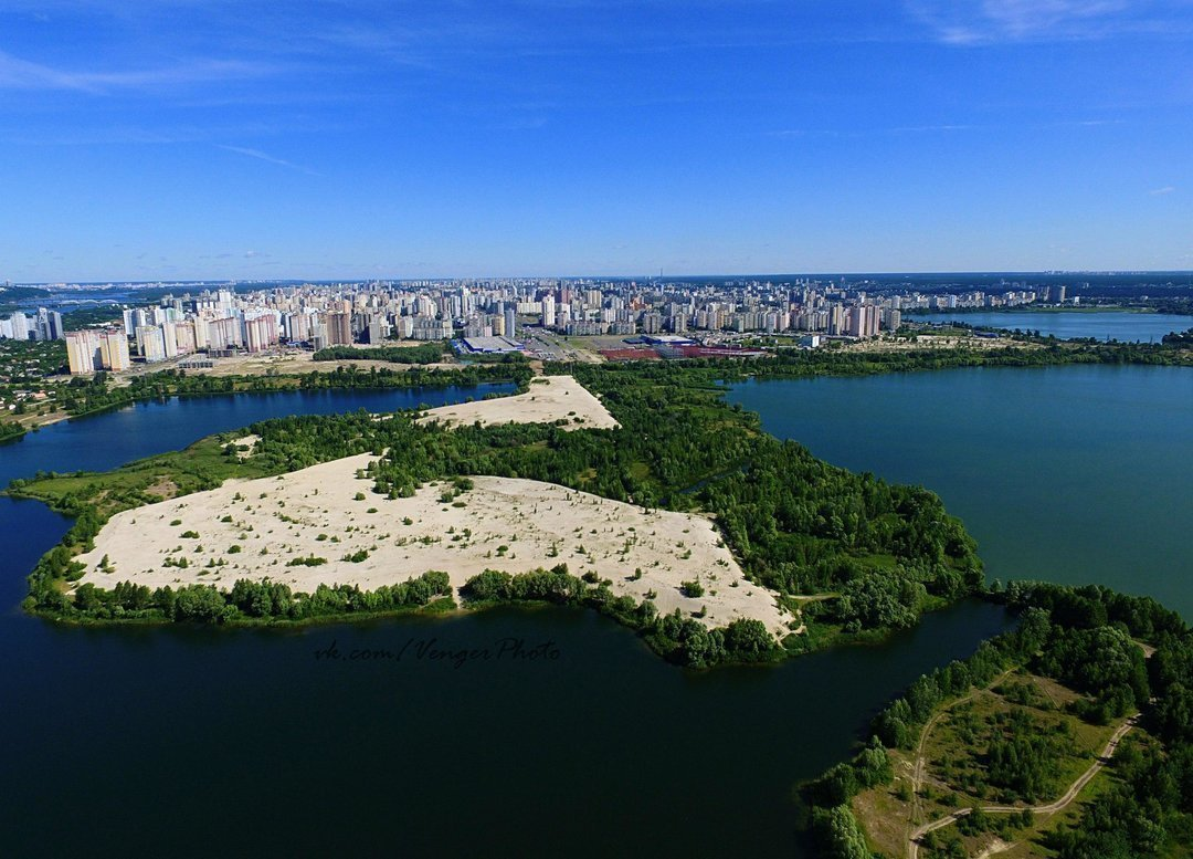 """Бетон и кровь Осокорков: Что происходит вокруг строительства ЖК """"Патриотика на озерах"""""""