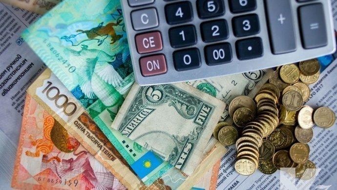 В Казахстане падает курс тенге: с начала года снизился на почти 13%
