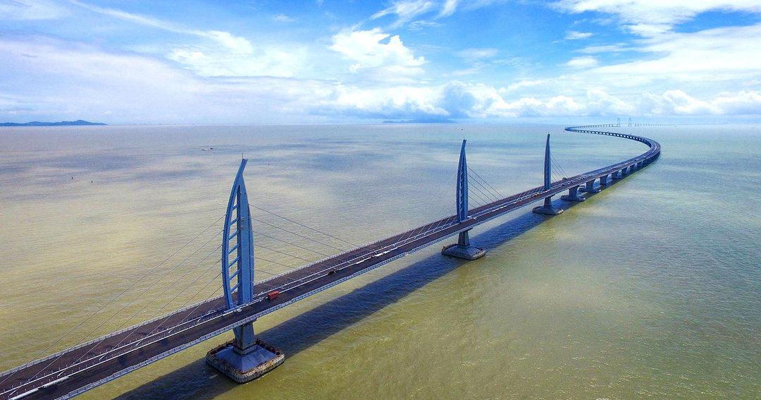 В Китае открылся самый длинный в мире морской мост