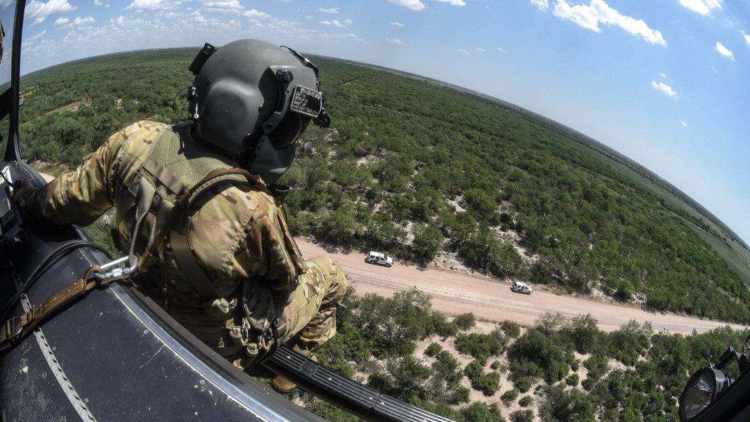 В США к границе с Мексикой подводят войска