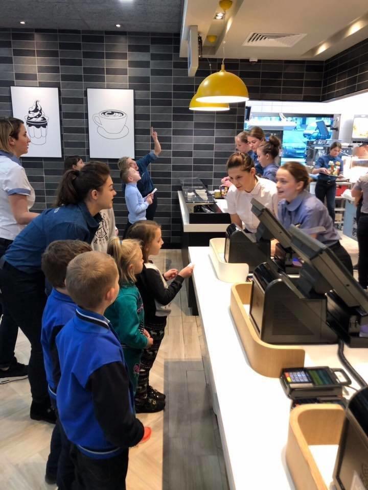 В Тернополе открылся первый McDonald's