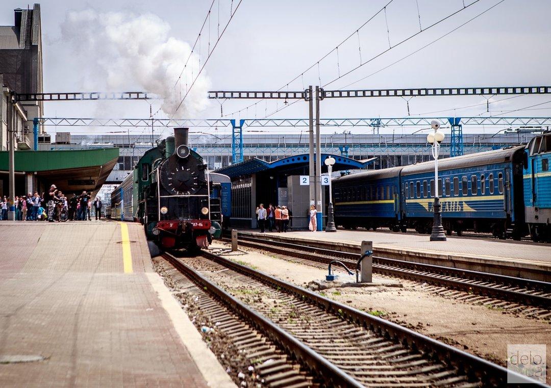 """""""Укрзализныця"""" временно приостановила продажу билетов на даты после 9 декабря"""