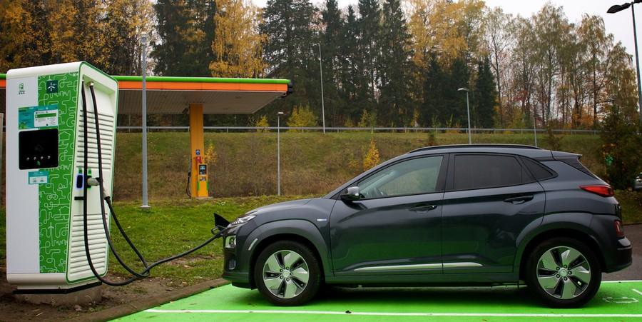 Первая в стране ультрабыстрая станция мощностью 150 кВт для зарядки электромобилей