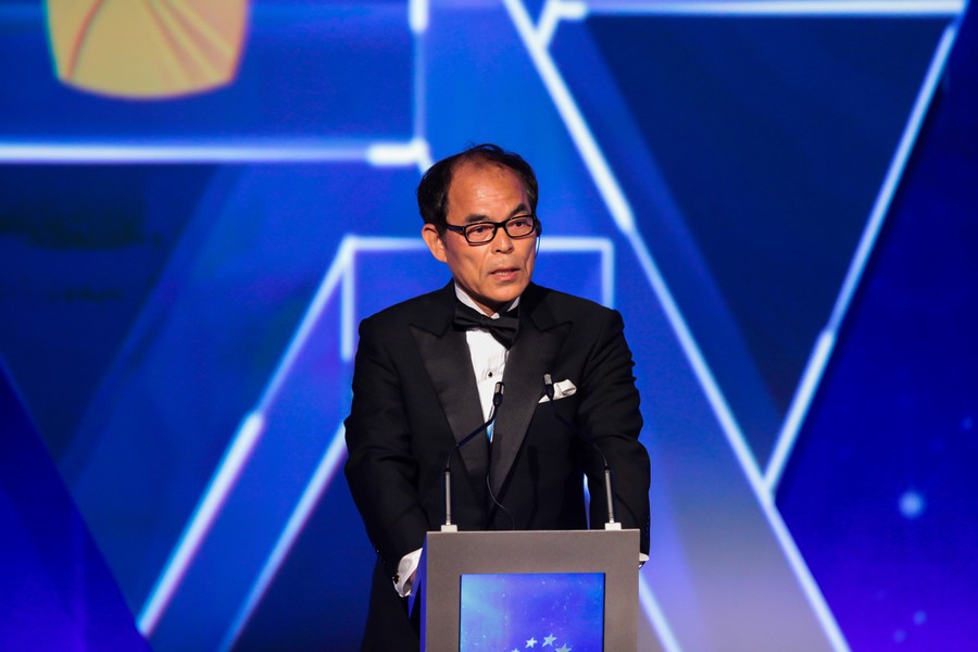 Сюдзи Накамура развивает лазерный диод нового поколения