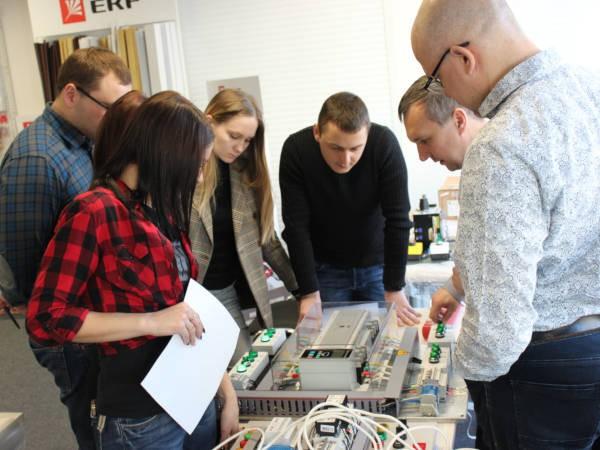 Гости познакомились с модельным рядом автоматических выключателей EKF и узнали об особенностях каждого устройства