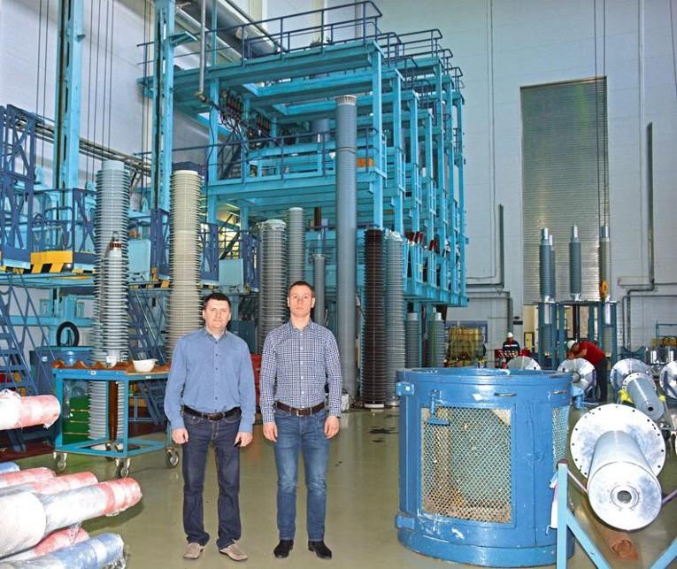 Компанию «Изолятор» посетил директор по коммерческим вопросам управляющей компании «ТАУ НефтеХим»