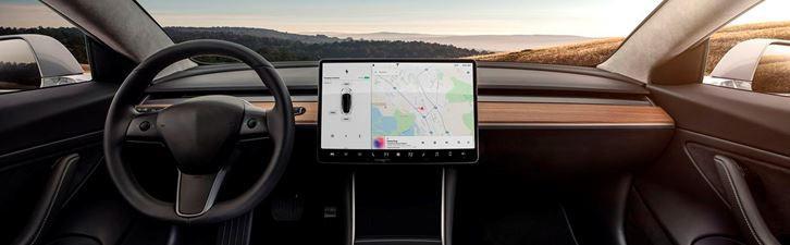 Использование ЖК-панелей в виде приборной панели автомобиля