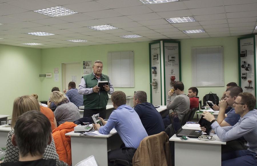 Важной частью семинара станет практическое занятие по настройке, программированию и эксплуатации современных тепловычислителей
