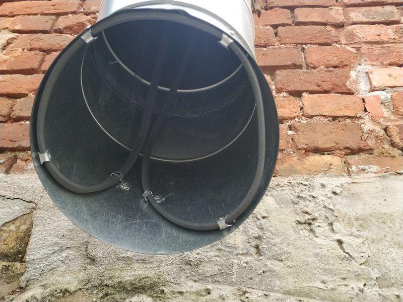 Саморегулирующийся кабель Heatus 40GSR2-CR (50 метров) в системе антиобледенения сливных воронок