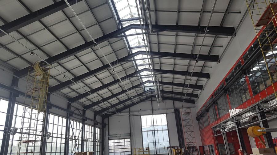 На светотехническом оборудовании LEDVANCE реализован проект освещения сервисного центра «АГРО-Лидер»