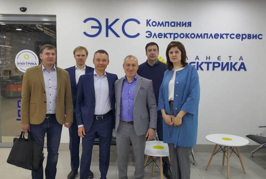Глава Signify стал гостем «Электрокомплектсервис» в Новосибирске