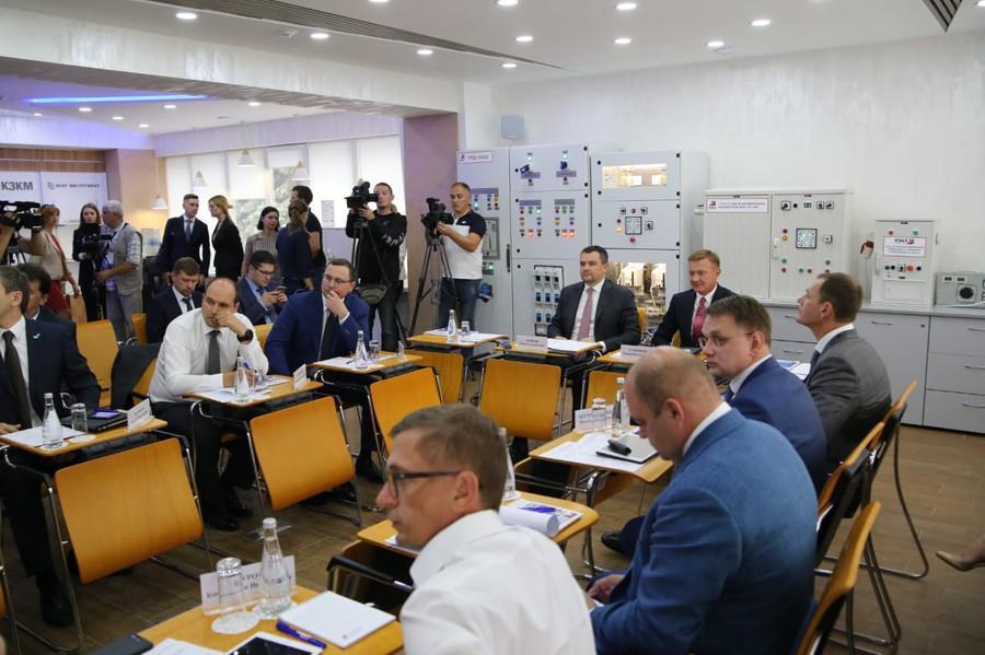 Зампред правительства РФ Максим Акимов поддержал инициативы КЭАЗ