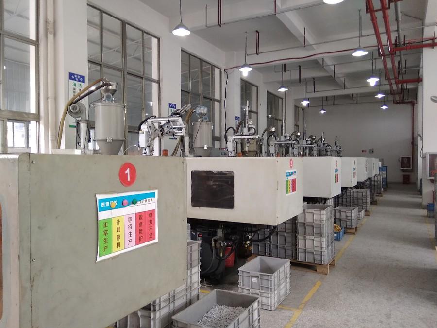 Особенно гостей впечатлило оборудование собственной разработки, которое уже запатентовано на территории Китайской Народной Республики