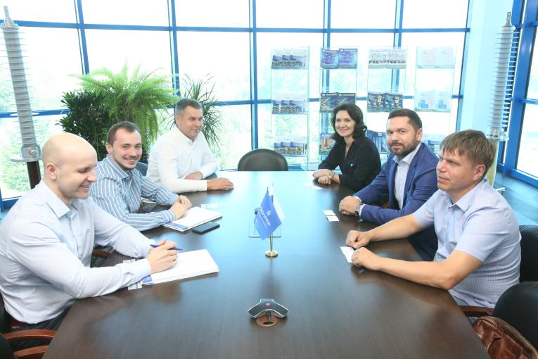 Представители компании «Промышленное обеспечение «Альфа-Металл» посетили завод «Изолятор»