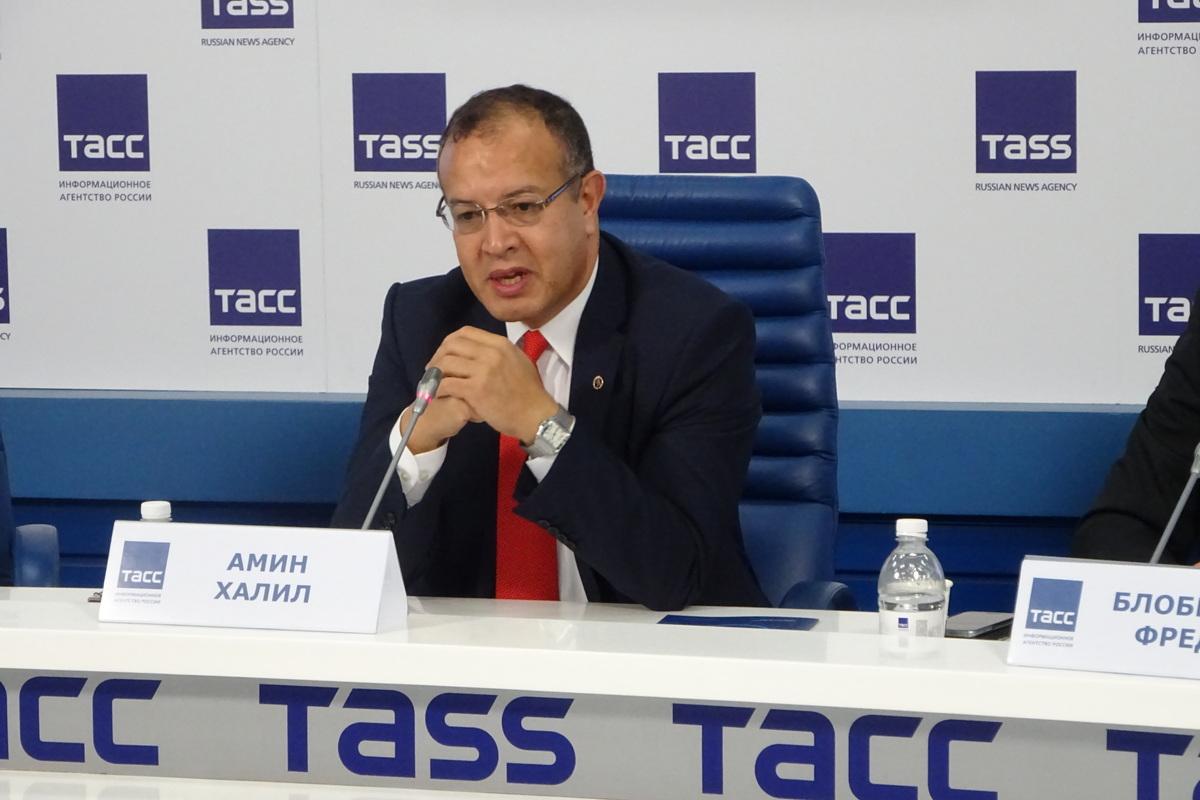 Доктор Халил Амин из США