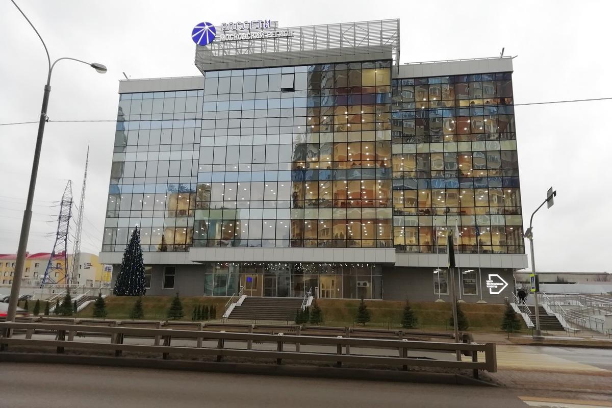 С учетом пожеланий заказчика здание получилось современным и экологичным